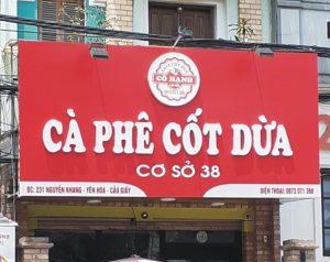 biển quảng cáo quán cà phê alu chữ nổi Mica đơn giản với giá thành rẻ