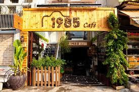 biển quảng cáo tiệm cà phê gỗ đẹp