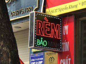 biển quảng cáo Led cho cửa tiệm khăn rèm