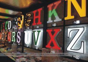 thiết kế biển chữ nổi gắn led