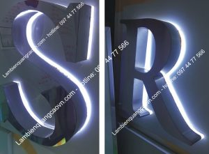 chữ nổi Inox trắng xước - trắng gương trên chân mica trong 10mm kết hợp với bóng led hắt sáng