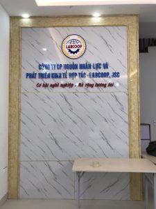 logo backdrop văn phòng dep gia re