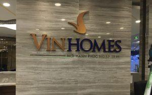 logo backdrop thi công tại Vinhomes