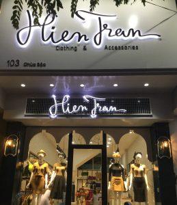 biển quảng cáo shop quần áo chữ nổi Inox