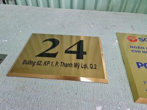 thiết kế gia công bảng hiệu số nhà