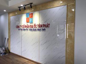 biển logo backdrop văn phòng