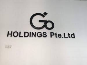 logo backdrop văn phòng chữ mica chân fomex