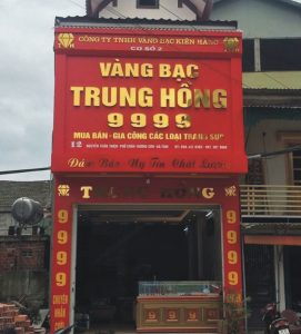 biển quảng cáo tiệm vàng bạc chữ nổi Inox vàng gương