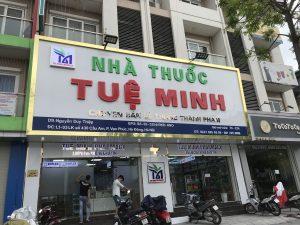 biển hiệu nhà thuốc ốp Alu chữ nổi Mica
