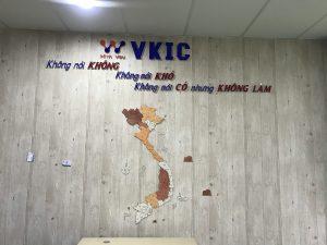 mẫu logo backdrop văn phòng ấn tượng
